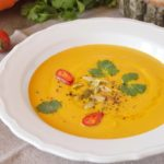 Тыквенный крем-суп с сыром и сливками