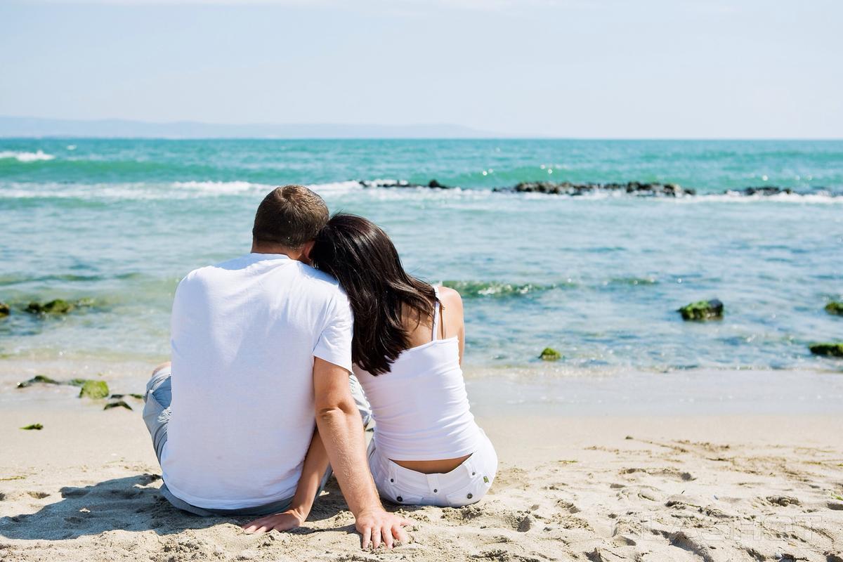 Картинки парень и девушка море