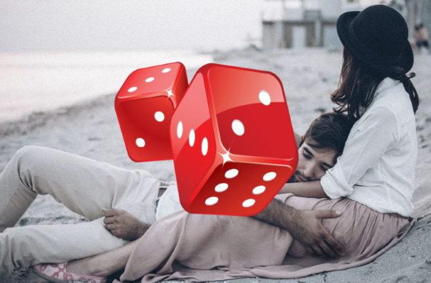Гадание на кубиках что делает любимый онлайн бесплатно